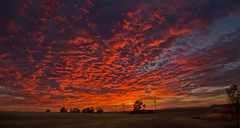 Sonnenuntergang (herberthowe) Tags: sonnenuntergang herbststimmung wolken himmelsfarben