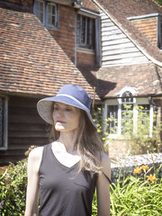 Mariëlle, Kent 2018: Lady of the house (mdiepraam (30 mln views!)) Tags: kent 2018 smallhytheplace nationaltrust marielle portrait pretty gorgeous attractive mature fiftysomething brunette woman lady milf elegant classy hat blacktop