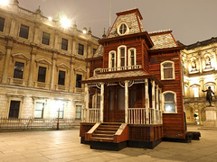Parker's Transitional Object (PsychoBarn) at the Royal Academy (#Dave Roberts#) Tags: london soho piccadilly lights christmas xmas zoom zoomburst carnaby street queen photo meet up meetup 17 november 2018 evening night nighttime