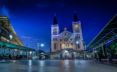 Baguio Cathedral (Sky_Slate) Tags: people baguio cathedral structure building night nightshot lights