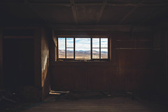 A room with view. (Shutter Theory) Tags: cosojunction view mojavedesert mojave desert abandoned abandonedcalifornia