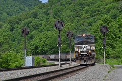 Individuals (Tristan_Miller) Tags: ns norfolk southern coal train claren nw cpl color position light signals hensley west virginia