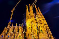 A La Sagrada Familia - a la nit (Fnikos) Tags: city sky gaudí antonigaudí religion basílica lasagradafamilia construction building architecture sculpture column tower art modernism temple dark night nightview nightshot outdoor