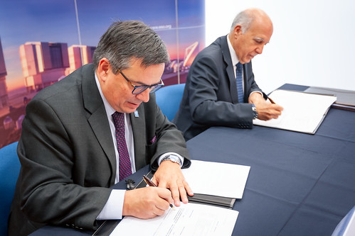 Signature ceremony with CTA for for the construction and operation of CTA-South