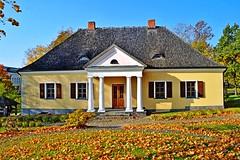 2014-10-10 Białoruś - Nowogródek (44) (aknad0) Tags: białoruś nowogródek budynki muzeum dommickiewicza drzewa