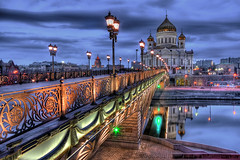 Cathedral of Christ the Saviour (Dmitry Yelloff) Tags: moscow nationallandmark russianorthodox cathedral russia church famousplace russianculture orthodoxchurch architecture religion dome capitalcities christianity buildingexterior outdoors builtstructure europe cross tower sunlight temple ornate cloud chapel wideanglelens christthesavior gold facade frontview blue skyline night summer bridge water sky reflection river quay greenlight