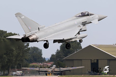 ZJ930 Royal Air Force Eurofighter Typhoon FGR.4 (EaZyBnA - Thanks for 2.000.000 views) Tags: zj930 royalairforce eurofightertyphoonfgr4 royal eurofighter typhoonfgr4 eurofightertyphoon fgr4 warbirds warplanespotting warplanes warplane egxc eazy eos70d ef100400mmf4556lisiiusm europe europa 100400mm 100400isiiusm raf royalairforcestation coningsby coningsbyairbase rafconingsby airbaseconingsby militärflugplatzconingsby autofocus airforce aviation air approach airbase jet jetnoise planespotting planespotter plane luftwaffe luftstreitkräfte luftfahrt grosbritannien greatbritain england wareagles kampfflugzeug flugzeug canon canoneos70d ef2000 ef2000typhoon typhoon ngc nato military militärflugzeug militärflugplatz mehrzweckkampfflugzeug