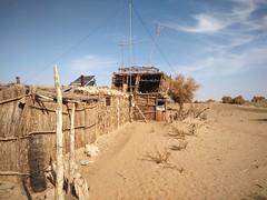 Por la cuenca del Deriya. Desierto de Taklamakán. China (escandio) Tags: casa taklamakan keriya china2018 china 2018 2 xinqian