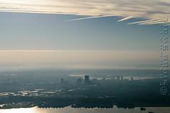 SMS_20181104_0029.jpg (Luchtfotografie SiebeSwart.nl Aerial Photography) Tags: randstad luchtfoto winter wolkenlucht winterweer nederland nevel sluierbewolking mist herfst stadsgezicht provinciestad stadsplan tegenlicht mistig landschap stadsontwikkeling almere namengeografischalgemeen bewolkt stadendorp stad meteotijdstipvddagfotografie skyline binnenstad ruimtelijkeordening