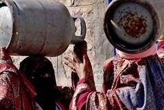 أزمة خانقة للغاز المنزلي في العاصمة صنعاء (nashwannews) Tags: أزمةالغاز الحوثيين اليمن سوقسوداء صنعاء