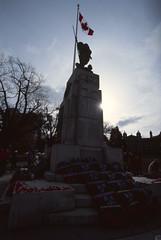 Cenotaph in Sunlight (tyson_laidler) Tags: ektachrome e100 35mm kodak remembrance day 2018 slide film canon eos3