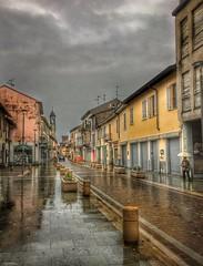 Piovigginando (lefotodiannae) Tags: autunno pioggia landscape viale colore hdr lombardia milano rho città paese lefotodiannae