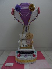 Hot Air balloon diaper cake (Thong Bartlett) Tags: diapercake hotairballoon babyshower lantern pampers luvs michaels