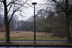 neulich / beim Klinikum Buch / Lindenberger Weg (galibier2645) Tags: rsl ostlampe laterne buch klinik klinikum lindenbergerweg pankow krankenhaus beleuchtung berlin lampe licht