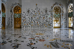 Vestibule to main prayer hall at Sheikh Zayed Grand Mosque