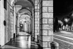 Bologna (marco rubini) Tags: bologna piazza santo stefano piazzasantostefano alba portico arcade notturno bn bw settechiese chiesa palazzo isolani palazzoisolani