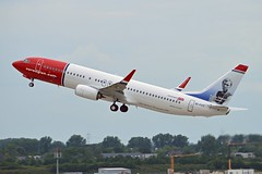 """""""Bobby Moore"""" Norwegian Air International EI-FVT Boeing 737-8JP Winglets cn/42280-6402 @ EDDL / DUS 16-06-2017 (Nabil Molinari Photography) Tags: bobbymoore norwegian air international eifvt boeing 7378jp winglets cn422806402 eddl dus 16062017"""