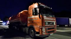 D - Steingräber Volvo FH GL03 (BonsaiTruck) Tags: spitzer steingräber volvo nacht nuit night dark lkw lastwagen lastzug silozug truck trucks lorry lorries camion caminhoes silo bulk citerne powdertank