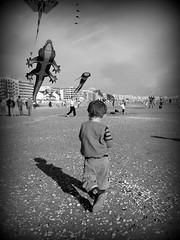NOSTALGIE.....IN EXPLORE (Marie-Laure Larère) Tags: enfant plage blackandwhite bw noiretblanc monochrome labaule liam reflet ombre explore