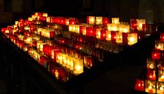Lichter / Lights (schreibtnix on 'n off) Tags: reisen travelling frankreich france normandie lisieux kirchen churches basilikasaintethérèse nahaufnahme closeup lichter lights olympuse5 schreibtnix