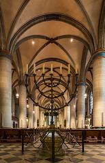 Dom in Essen (ulrichcziollek) Tags: nordrheinwestfalen essen dom münster gotik gotisch kirche kirchenschiff leuchter