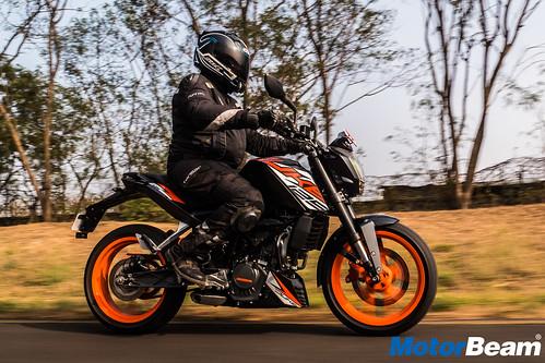 KTM-Duke-125-16