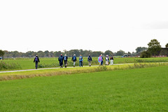 Op weg naar Hekkum. (Snoek2009) Tags: seizoenswendewandeling walkingtour groningerlandschap landscape walkers path green grass reed trees explore