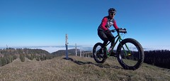 Greener The Higher I Climbed (29in.CH) Tags: fall autumn fatbike ride 18112018 blue sky