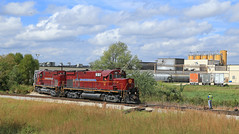 Newly Weds Foods (GLC 392) Tags: newly weds foods springdale ar arkansas missouri railroad railway train am alco c420 amrr 56 57 spur 11am switcher class act customer work switching sky clouds