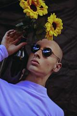 Pedro (TheJennire) Tags: photography fotografia foto photo canon 50mm people portrait sunflowers sunglasses flowers 2018 sp saopaulo brasil brazil retro fashion naturallight malemodel indie summer
