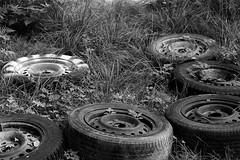 IMG_0276 (www.ilkkajukarainen.fi) Tags: autonrengas hylätty espoo autio talo car wheels happy life stuff blackandwhite mustavalkoinen monochrome abandoned regas suomi finland finlande