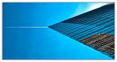 To the Point. Almost. (Silke Klimesch) Tags: berlin deutschland berlintiergarten berlinmitte potsdamerplatz forumtower renzopiano architecture modern vapourtrail jettrail airplane blue bluesky sky skyscraper hochhaus wolkenkratzer blau himmel architektur gratteciel traînéedecondensation ciel bleu cielo grattacielo sciadicondensazione azzurro rascacielos esteladecondensación azul trenădecondensare zgârienori albastru arranhacéus небо инверсио́нныйслед небоскрёб microfourthirds mft aurorahdr luminar olympus omd em5markii