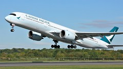 B-LRR (AnDyMHoLdEn) Tags: cathaypacific a350 oneworld egcc airport manchester manchesterairport 23l