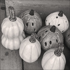 (Cliff Michaels) Tags: iphone8 photoshop pse9 bw gourds kroger