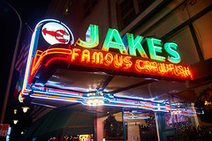 Jakes Bar & Grill - 'Famious Crawfish' Neon Marque - Portland Oregon (coljacksg) Tags: jakes bar grill famious crawfish neon marque portland oregon iconic sign night