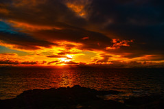 Sunset from Portencross (Brian Travelling) Tags: pentax kr scotland portencross portencrosscastle castle bench seat hunterston sunset pentaxkr