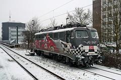 P1030084 (Lumixfan68) Tags: eisenbahn loks baureihe 115 deutsche bahn db autozug 80 jahre gudrun geiblinger werbeloks e10 bügelfalte