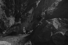 en bas de la Grotte de la Borme de Fourg (francky25) Tags: en bas de la grotte borme fourg noir et blanc franchecomté doubs