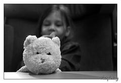 Photo de 2008. (christophe.leroy19) Tags: noiretblanc noirblanc nb blackandwhite blackwhite bw portrait nounours doudou