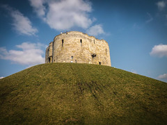 York Castle (Justgetdancey) Tags: castle tower fort fortress walls roman hill mound england uk britain greatbritain