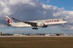 Airbus A350-941 Qatar Airways (AM Photography Alfonso M) Tags: airbus a350941 qatar airways amphotography alfonsomartinez amphoptography airplanes