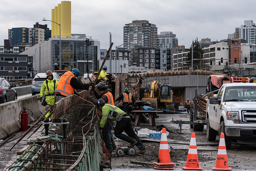 Building the barrier between southbound SR 99 and the southbound off-ramp