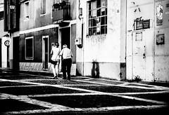 KindHand.jpg (Klaus Ressmann) Tags: klaus ressmann omd em1 autumn etordesillas peoplestreet blackandwhite candid evening flcpeop man old streetphotography unposed klausressmann omdem1