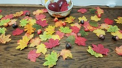 058 (Rennae_lc) Tags: autumn leaves decorations display apples