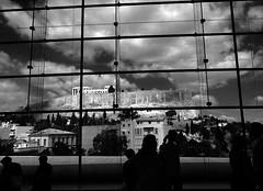 Partenone sullo sfondo (Ernemann) Tags: grecia partenone art biancoenero nuvole nubi nubibianche tempio acropoli