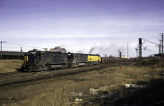CNW Loads at Spooner (ac1756) Tags: northwestern cnw chicagonorthwestern alco c628 6724 spooner wisconsin