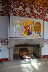 DSC00838 Stirling Castle, Scotland (Fernando Sa Rapita) Tags: stirling scotland escocia castle castillo sony sonyrx100 sonydscrx100 chimenea room salon habitacion escudo escudodearmas