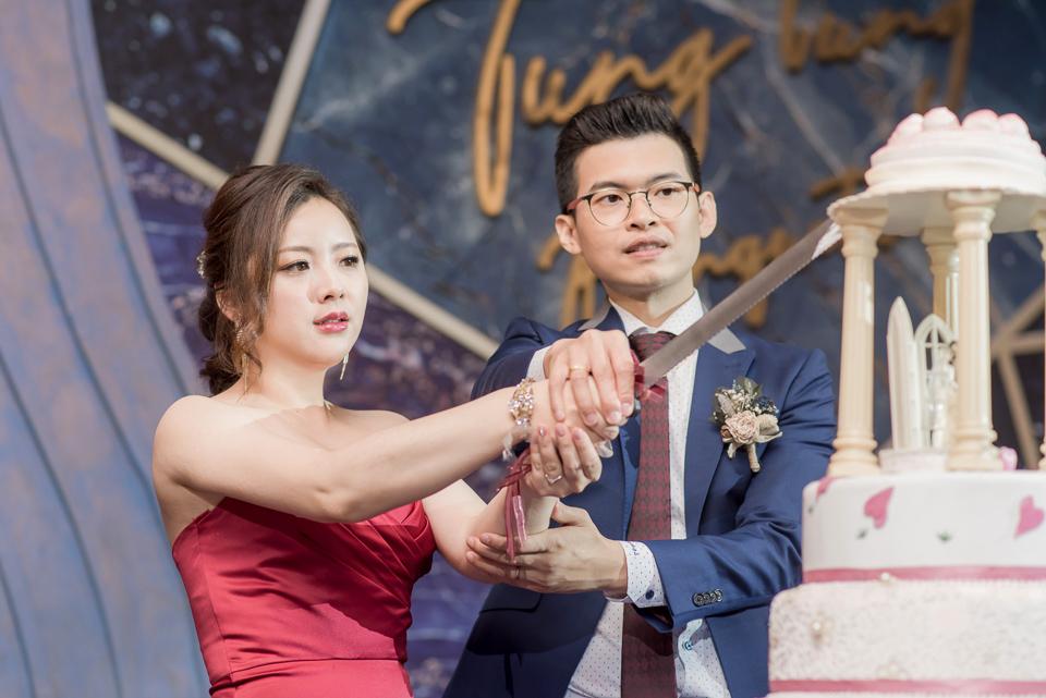 台南東東宴會式場 婚宴 走在幸福的紅毯上 R & B 136