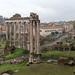 Regnerisches Wetter in Rom bei den antiken Ruinen