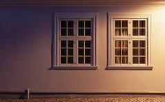 Blue hour for two windows (Lichtbursche) Tags: mecklenburgvorpommern loitz denkmalschutz deutschland stadt fenster blauestunde dämmerung architektur licht schatten alt germany city window bluehour twilight architecture light shadow old